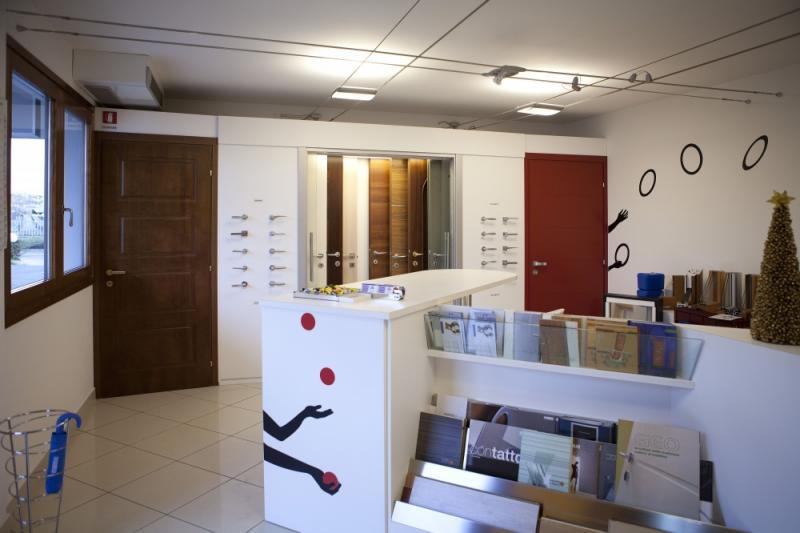 Galleria fotografica di L.M. SERRAMENTI Commerciale Friulana srl